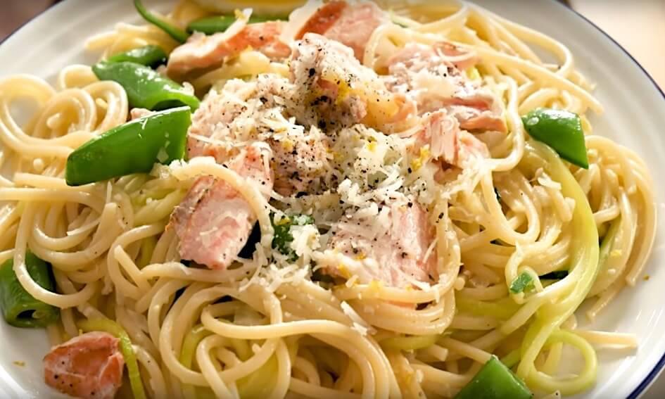Spiksplinternieuw Recept: pasta met zalm en witte wijnsaus XB-03