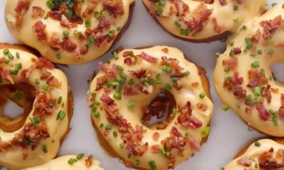 Hartige donuts met kaas